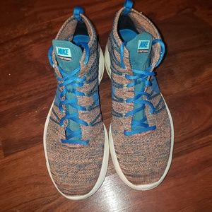 Nike Flyknit Chukka sneakers